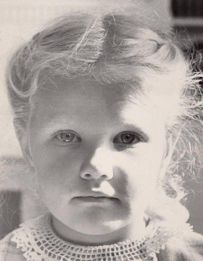 Mom as a little girl (family photos)