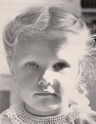 Mom as a little girl (family photos)
