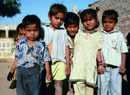 <a href=http://www.edwebproject.org/spotlight/archives/india/jaisalmer.dalitkids.jpg>Dalit children<
