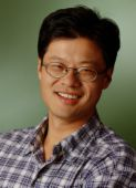 Jerry Yang, Co-Founder of Yahoo!<br> (http://www.sensoryaccess.com/images/Yang.jpg)