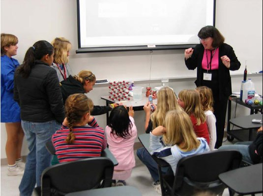 Martha Mecartney doing a demo for young girls. (Martha Mecartney)