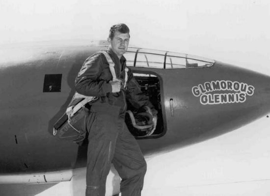 Chuck Yeager beside the X-1 nicknamed Glamorous G (aerospaceweb.org)