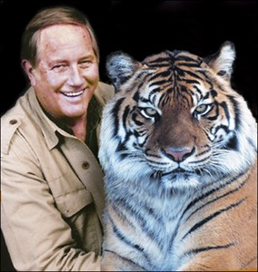 Jim Fowler with one of his many animal friends. (georgiainfo.galileo.usg.edu/tdgh-apr/apr09.htm )