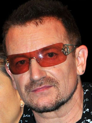 Bono (http://www.celebrity-sunglasses-finder.com/Bono-Sunglasses.html)