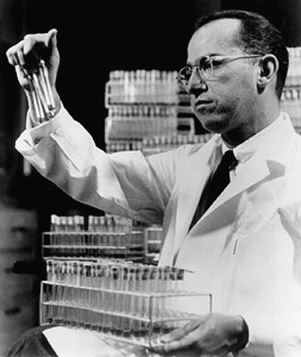 <center><b>Jonas Salk In His Laboratory (http://www.achievement.org/)