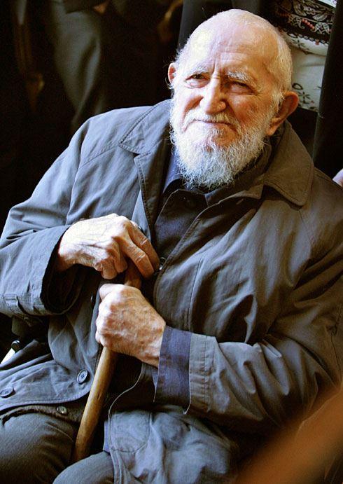 <a href=http://www.usatoday.com/news/world/2007-01-22-pierre-obit_x.htm>L'Abbe Pierre
