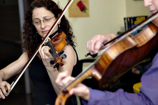 Picture of Julie Leven brings classical music to homeless shelters