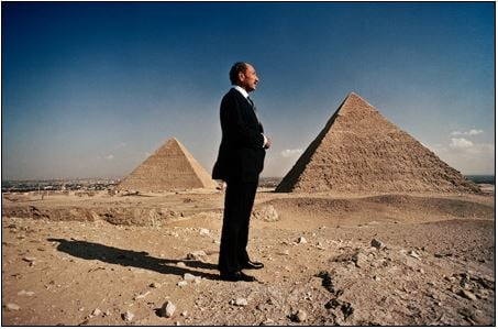 Anwar Sadat at the Pyramids © David Hume Kennerly