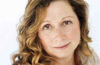 Jeanne Meyers, Xenia Shin