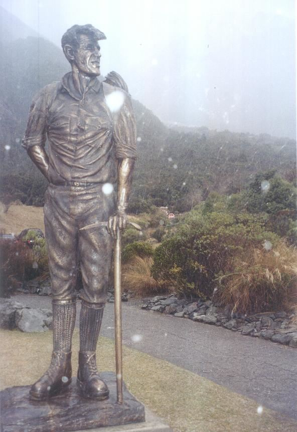 Sir Edmund Hillary's statue at the Hermitage