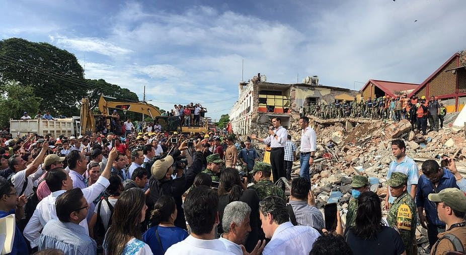 Picture of In Mexico, undocumented migrants risk deportation to aid earthquake victims