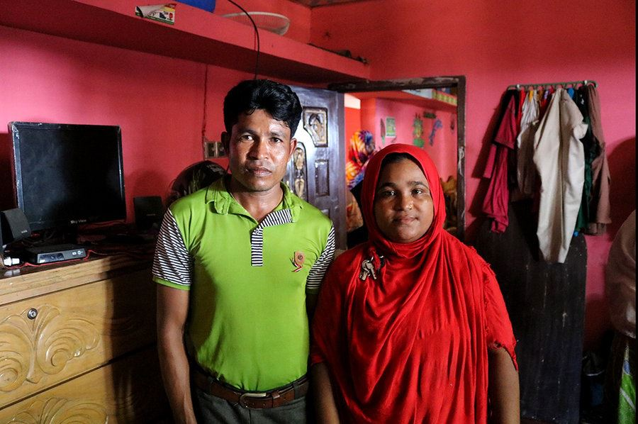 Picture of Bangladesh opens doors – and hearts – to fleeing Rohingya