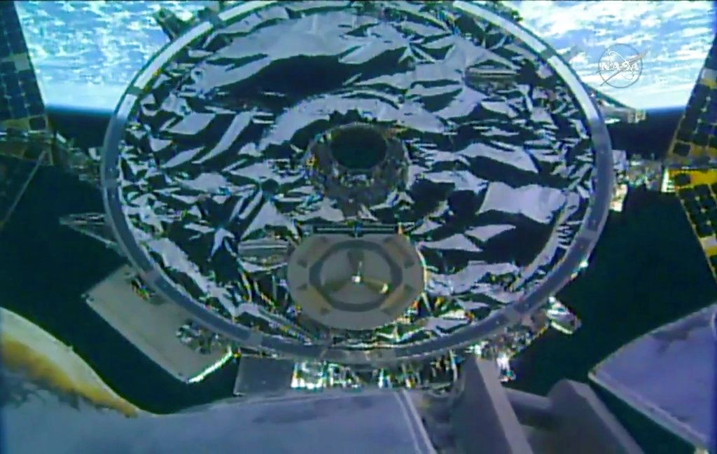 Picture of Space station accepts special delivery from Virginia