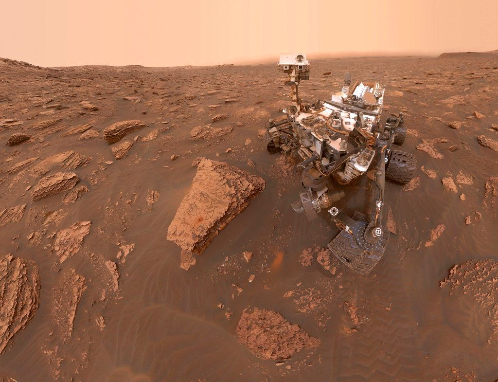 Picture of Mars rover still silent as red planet dust storm goes global