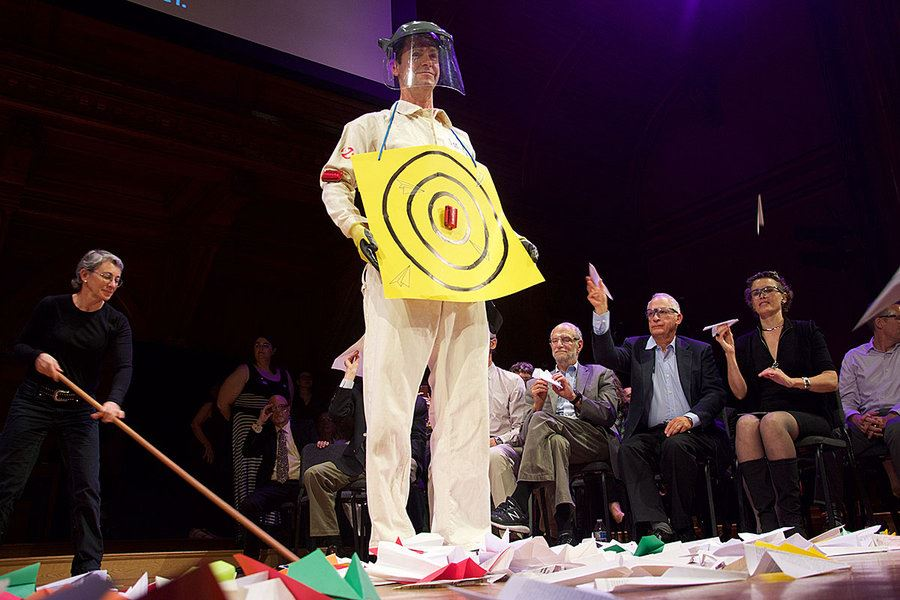 Picture of At the Ig Nobel Prize awards, science meets silliness