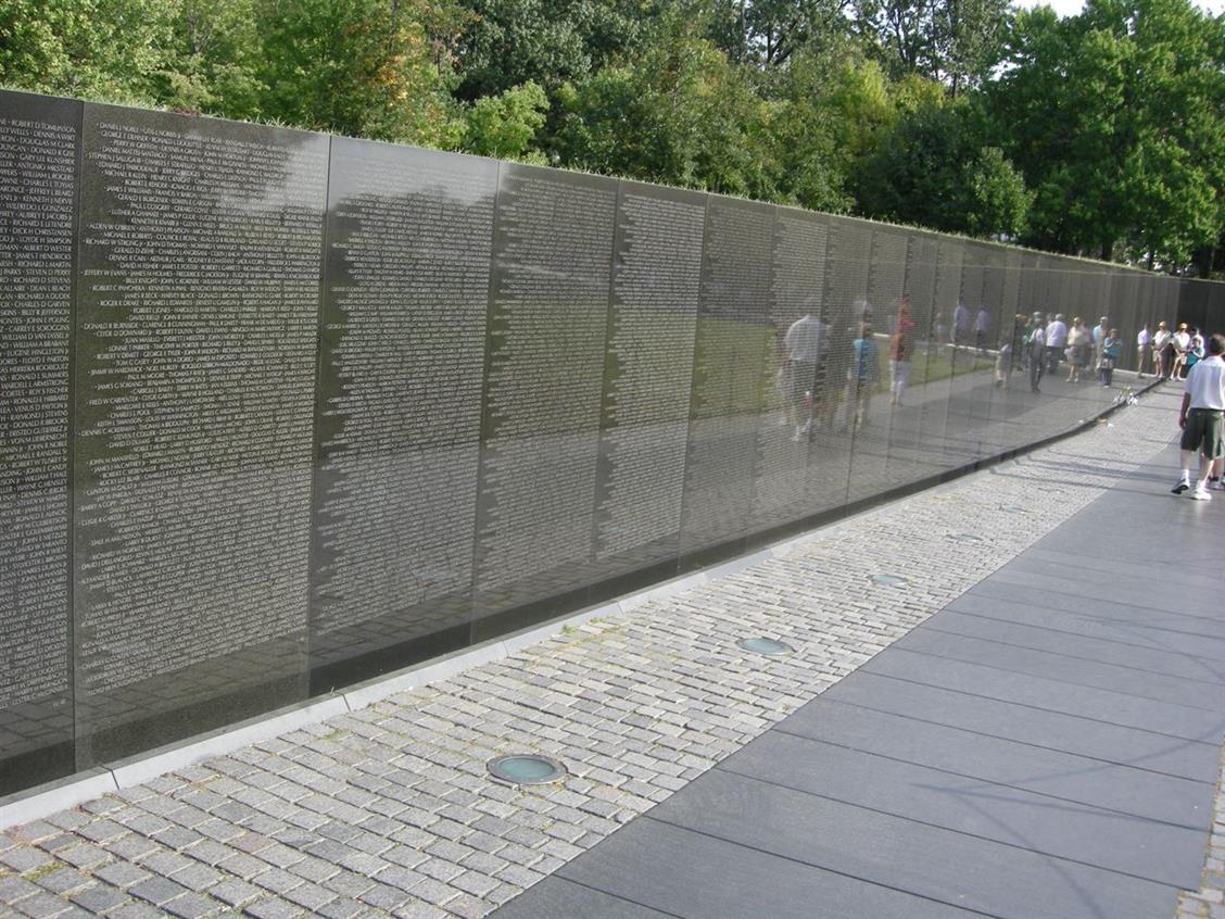 Picture of Vietnam War Memorial, design by Maya Lin