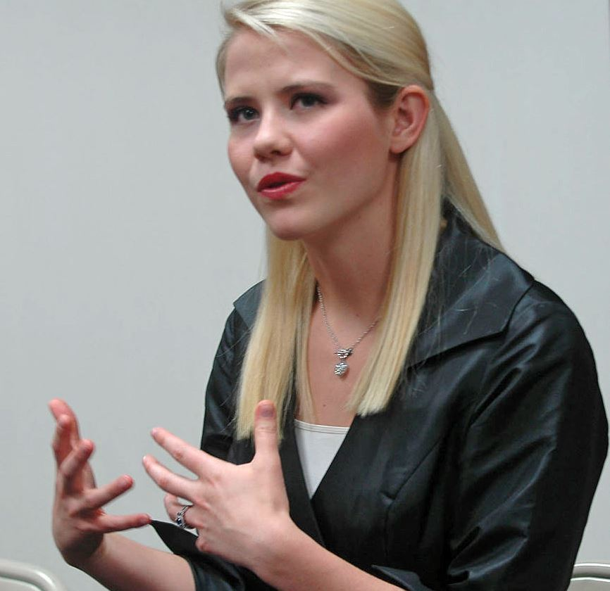 Picture of Elizabeth Smart