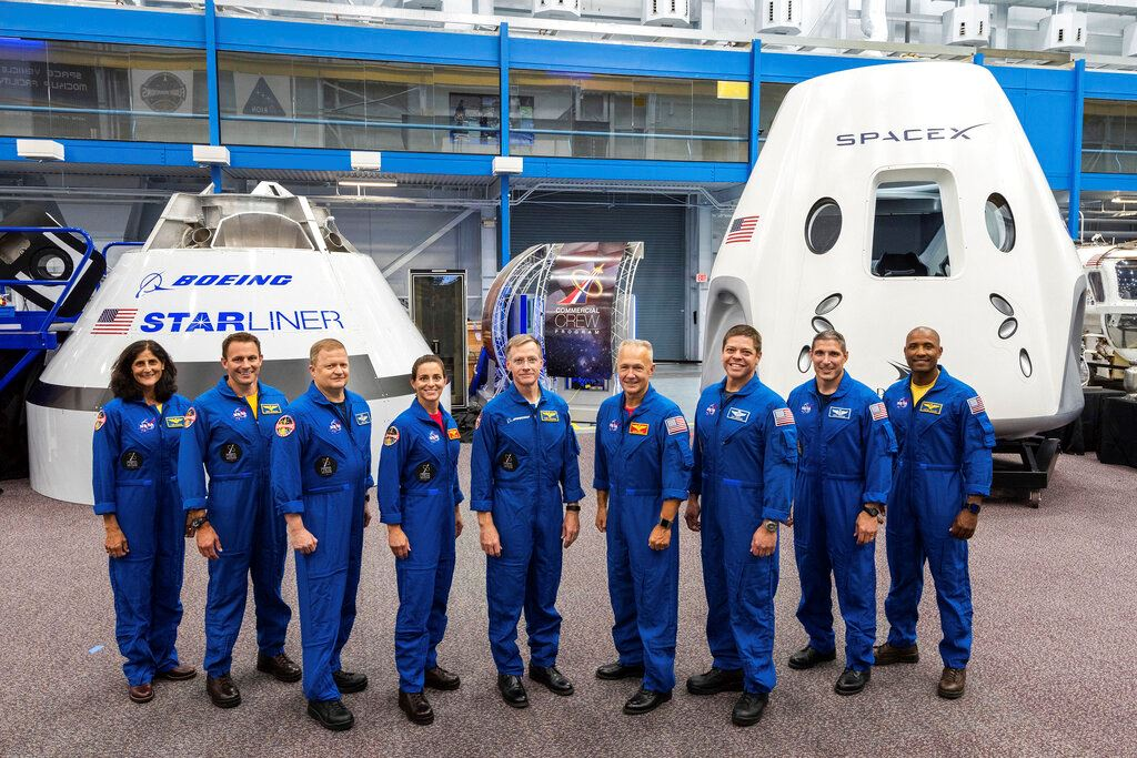 Picture of NASA warned of safety risks in delayed private crew launches