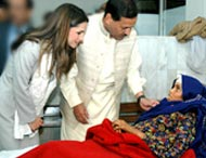 """Queen Rania calls on the people of the world to help the poor people of Pakistan."" Image from <a href=http://www.unicef.org/jordan/resources_454.html>UNICEF</a>"