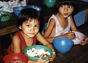 Street children in Vietnam<br>Photo from www.vnhelp.org
