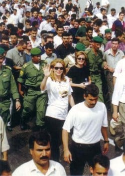 Queen Noor leads the AI Hussein march against cancer. Thousands of Jordanians join her to raise donations for Al Aman Cancer Fund that looks after the poor to offer free cancer treatment for less privileged citizens. 22 October 1999.
