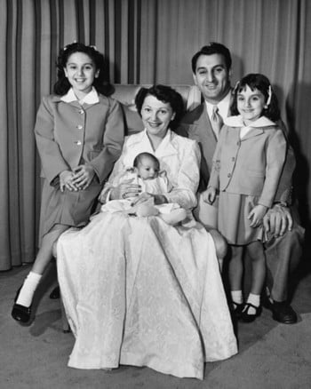 Danny & Rose Marie Thomas with children (left to right): daughter, Marlo; son, Tony; daughter, Terre.<br> Image courtesy of <a href='http://www.stjude.org/'  target='blank'>St. Jude Children�s Research Hospital</a>