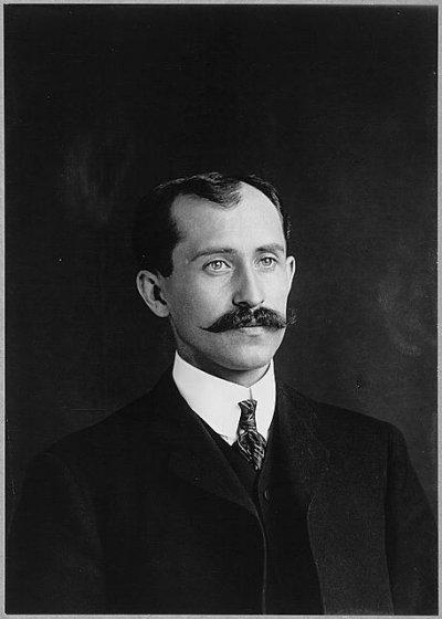 <a href=http://memory.loc.gov/pnp/ppmsc/06100/06102r.jpg>Orville Wright</a>