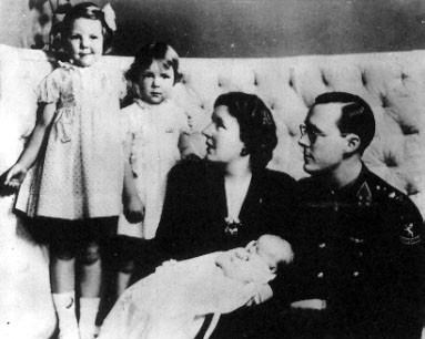 Princess Juliana in Ottawa with her 3 daughters. (Government of Canada)