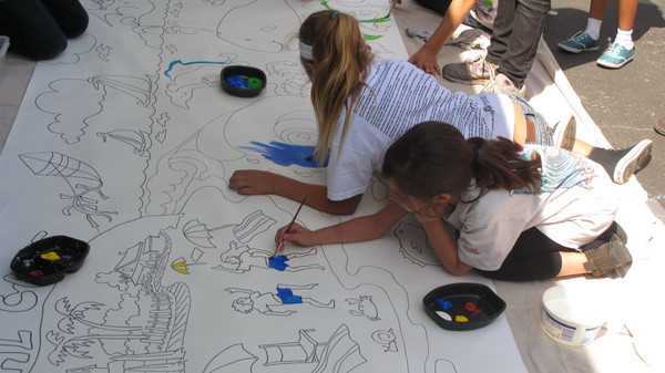 Students got to paint a mural drawn by Laguna Beach artist Robin Wethe Altman <P>(Photo courtesy of Robin Wethe Altman)