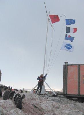 Merieme, planting the flag of Morocco at the South Pole<br>(lailalalami.com)