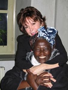 Isabel y la ganadora del Premio Nobel de Kenya, Wangari Maathai
