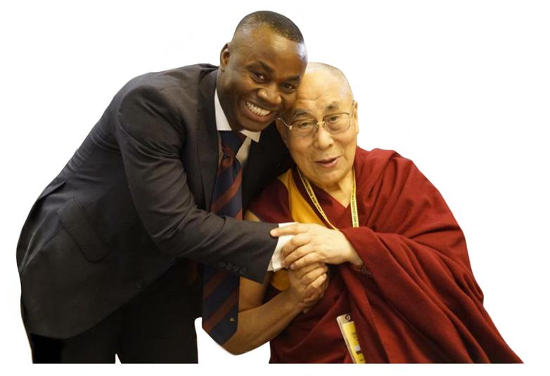 Mohamed Sidibay meets the Dali Lama  at the 2016 gathering of world leaders and nobel laureates in India