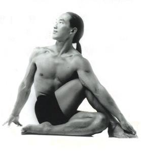 A yoga master in action (kalani.com/yoga)