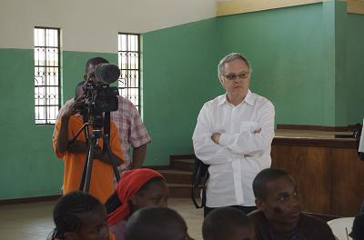 Neal Baer filming with Alcides in Africa. (Venice Arts)