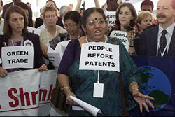 Vandana Shiva marching in WTO protest<br>www.suedeasien.net - google.com