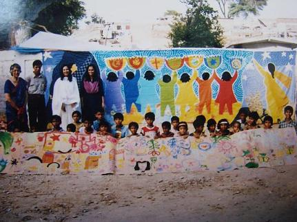 Peace Mural of cloth displayed around the world (Funkor Childart)