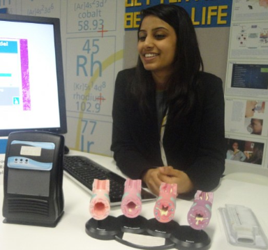 Naomi Shah with her science fair project. (mashable.com ())