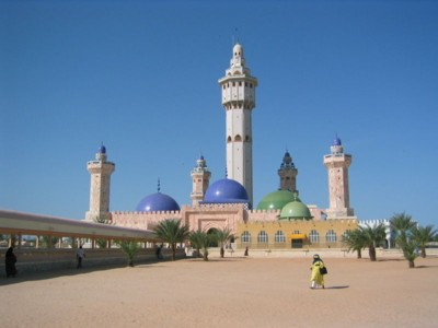 <a href=http://upload.wikimedia.org/wikipedia/commons/thumb/d/d8/Touba_moschee.jpg/800px-Touba_moschee.jpg>The Great Mosque at Touba</a>