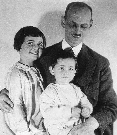 Anne's dad Otto and her sister Margot (Google)
