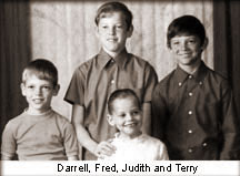 Terry and siblings (www.terryfoxrun.org)