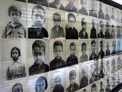 Memorial photos of children (http://www.offbeattravel.com/s-21-1.jpg)