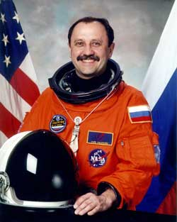 Yury Usachev (www.membrana.ru)