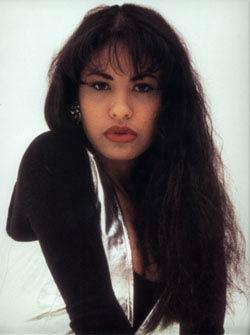 Selena (http://alwaysselena.org/selena/pics/gal52.jpg)
