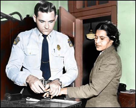 <a href=https://www.spartacus.schoolnet.co.uk/USAparksR2.jpg>Rosa at police station</a>