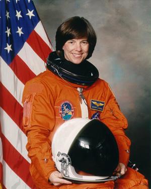Bonnie Dunbar<br>(http://www.nasa.gov)