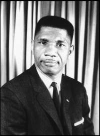 Another photo of Medgar Evers (http://www.olemiss.edu/depts/english/ms-writers/dir/evers_medgar/)