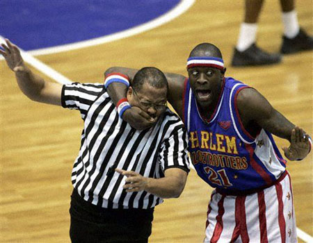 messing around with the ref (www.Harlemglobetrotters.com)