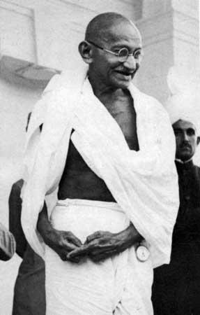Mohandas Karamchand Gandhi<br>(http://cache.eb.com/eb/image?id=82291&rendTypeId=4)