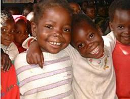"Los niños de Zambia viviendo en ""Children's Town"" (http://www.dapp-uk.org/getNewsBigPic.asp?NewsID=12)"
