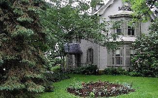 Harriet Beecher Stowe's House in Hartford, CT (http://www.flickr.com/photos/claireec/772731203/)